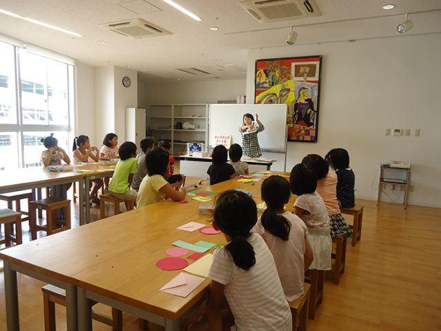 岩倉市生涯学習センターにて、夏休みクラフト教室
