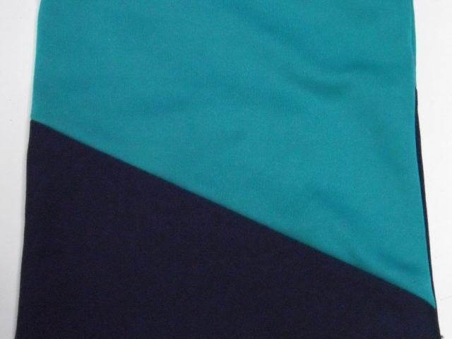 青と紺色の小袋